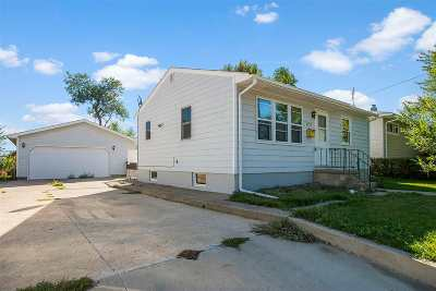 Belle Fourche Single Family Home For Sale: 2023 11th