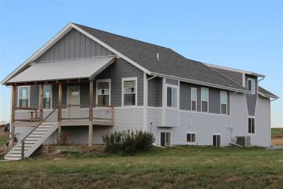 Belle Fourche Single Family Home For Sale: 10931 West Wood