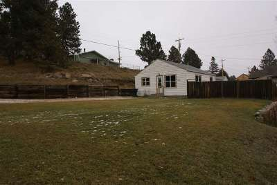 Custer SD Single Family Home Sold-Co-Op By Bor Member: $124,500