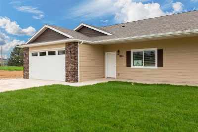 Sturgis Single Family Home For Sale: 2206 Split Rock