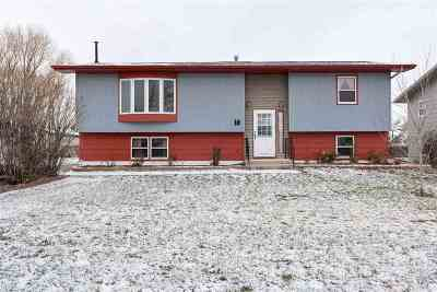 Spearfish SD Single Family Home Uc-Contingency-Take Bkups: $245,000