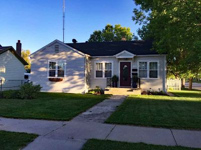 Single Family Home Under Contract-Dont Show: 1745 Albany