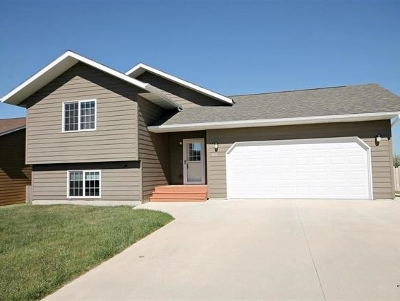 Whitewood SD Single Family Home Uc-Contingency-Take Bkups: $211,000
