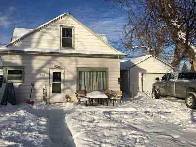Spearfish SD Single Family Home Uc-Contingency-Take Bkups: $119,900