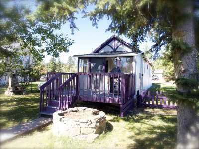 Custer County Single Family Home Uc-Contingency-Take Bkups: 820 Harney St.