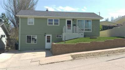 Belle Fourche Single Family Home Uc-Contingency-Take Bkups: 1123 11th