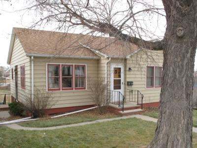 Belle Fourche Single Family Home Financing Contingency: 1218 9th