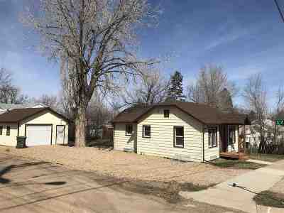 Belle Fourche SD Single Family Home Uc-Contingency-Take Bkups: $148,900