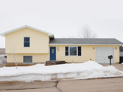 Spearfish Single Family Home Uc-Contingency-Take Bkups: 918 S 31st