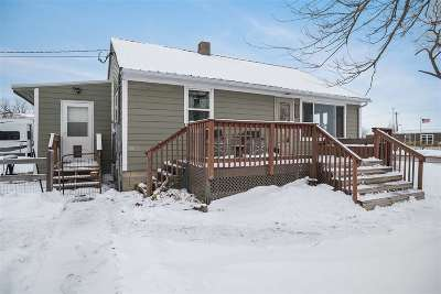 Newell Single Family Home Uc-Contingency-Take Bkups: 721 Fisk