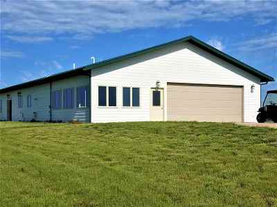 Belle Fourche Single Family Home For Sale: 19278 Prairie Hills