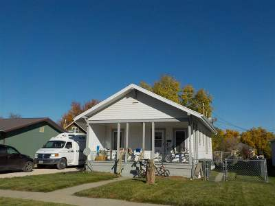 Belle Fourche Single Family Home Financing Contingency: 811 Lawrence St