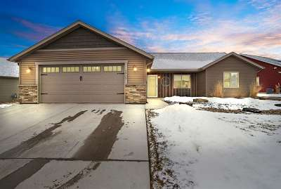 Spearfish SD Single Family Home Uc-Contingency-Take Bkups: $227,000