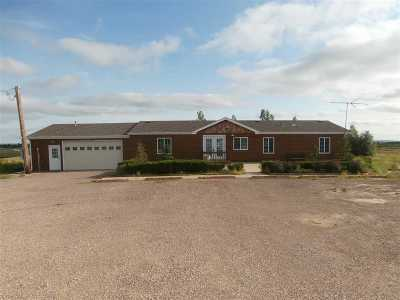 Belle Fourche Single Family Home For Sale: 19136 Sandstone