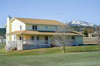 Spearfish SD Single Family Home Uc-Contingency-Take Bkups: $399,000