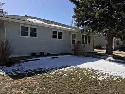 Belle Fourche SD Single Family Home Financing Contingency: $173,400