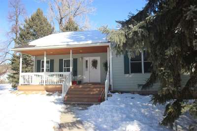 Spearfish SD Single Family Home Uc-Contingency-Take Bkups: $375,000