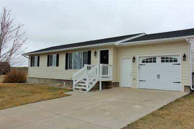 Belle Fourche Single Family Home Financing Contingency: 229 Ziebach Street