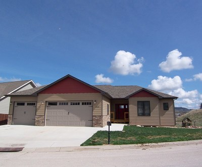 Spearfish Single Family Home For Sale: 1808 Country Oaks