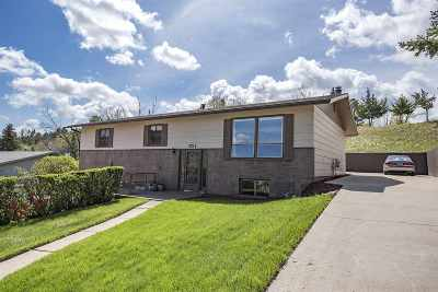 Spearfish SD Single Family Home Uc-Contingency-Take Bkups: $259,900