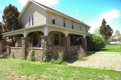 Single Family Home For Sale: 142 S 6th