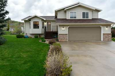 Spearfish SD Single Family Home Uc-Contingency-Take Bkups: $329,000