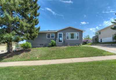 Pennington County Single Family Home Uc-Contingency-Take Bkups: 610 44th