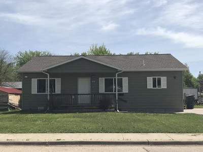 Belle Fourche Single Family Home Uc-Contingency-Take Bkups: 1013 7th