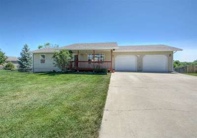Belle Fourche Single Family Home Uc-Contingency-Take Bkups: 2121 Frannie