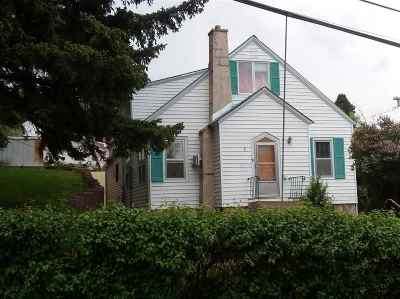 Single Family Home Uc-Contingency-Take Bkups: 827 Upper Addie