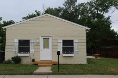 Belle Fourche SD Single Family Home Uc-Contingency-Take Bkups: $115,500