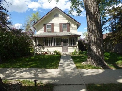 Newell Single Family Home For Sale: 310 3rd A