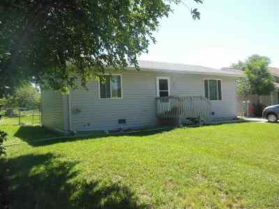 Belle Fourche Single Family Home Uc-Contingency-Take Bkups: 211 7th Avenue