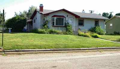 Single Family Home Uc-Contingency-Take Bkups: 1601 Canton