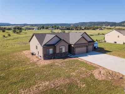 Spearfish Single Family Home For Sale: 2271 Tumbleweed