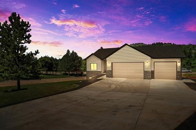 Spearfish Single Family Home For Sale: 1506 Woods Edge
