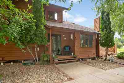 Single Family Home Uc-Contingency-Take Bkups: 1637 Boulder