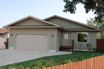 Belle Fourche SD Single Family Home Financing Contingency: $215,000