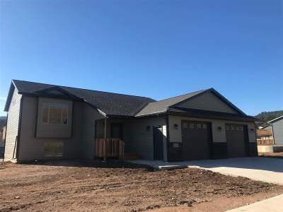Sturgis Single Family Home Financing Contingency: 2660 Meadows