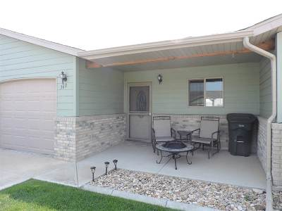 Belle Fourche SD Single Family Home Uc-Contingency-Take Bkups: $162,900