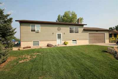 Belle Fourche Single Family Home Financing Contingency: 613 Summit