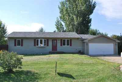 Spearfish SD Single Family Home Financing Contingency: $214,900