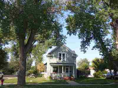 Belle Fourche Single Family Home Financing Contingency: 836 8th Ave.