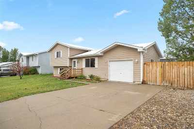 Single Family Home For Sale: 2423 Sprucewood