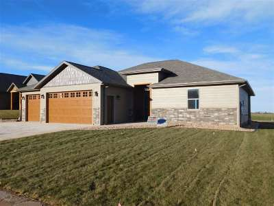 Spearfish Single Family Home For Sale: 8112 Brooks