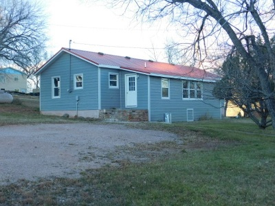 Single Family Home Uc-Contingency-Take Bkups: 2335 Lincoln