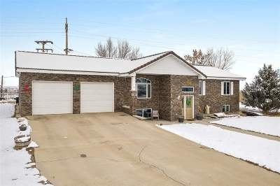 Belle Fourche Single Family Home For Sale: 1301 Hilltop