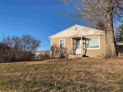Single Family Home Uc-Contingency-Take Bkups: 138 Anamosa