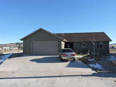 Spearfish SD Single Family Home Uc-Contingency-Take Bkups: $234,900
