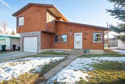 Sturgis SD Single Family Home Under Contract-Dont Show: $169,900